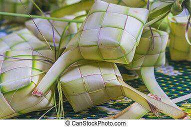 Malaysian Traditional Food, Ketupat