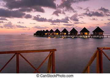Maldives beach resort ? summer vacation