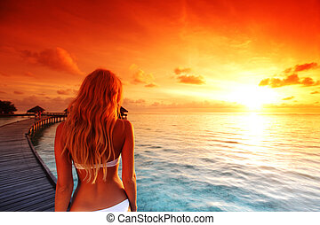 maldivian, kleiden, frau, sonnenuntergang