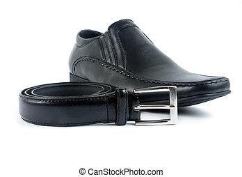male shoe with belt
