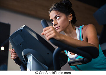 malhação, mulher, ginásio, condicão física