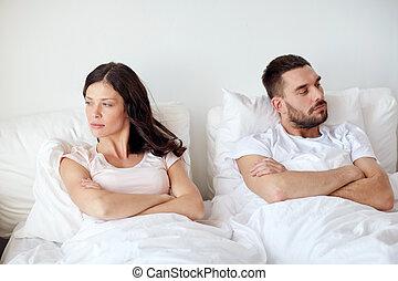 malheureux, maison, conflit, avoir, couple, lit
