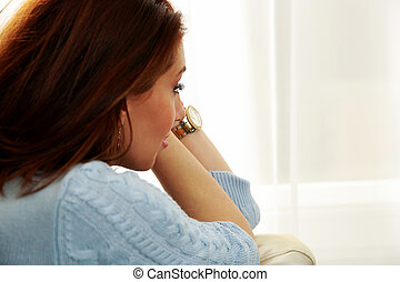malinconico, donna guardando, in, finestra, a casa