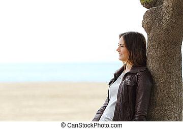 malinconico, pensare donna, spiaggia, in, inverno