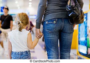 maman, aéroport, fille