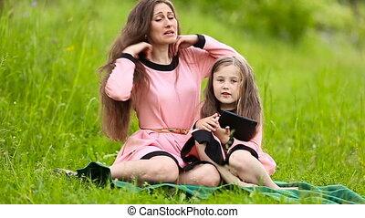 maman, fille, tablette, elle