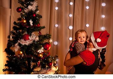 mamas, arbre, main, bébé, portrait, adorable, noël