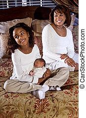 mamma, con, figlia, e, bambino neonato
