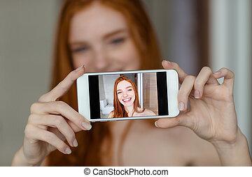 manželka, fotografie, selfie, smartphone, ryšavý, dělání
