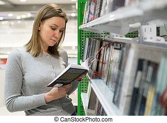 manželka, is, čítanka, do, jeden, bookstore.