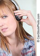 manželka, naslouchání poslech, hudba