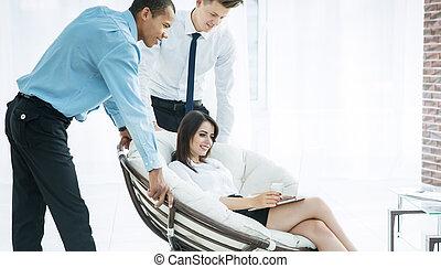 manželka, vytékat, povolání, discussing, postup kolega