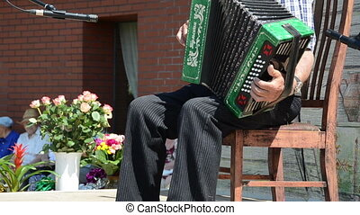 man accordion concert