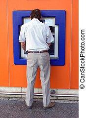 man, användande, kontanter, machine., atm., bank.