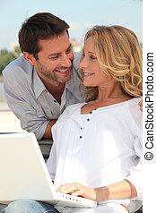 man, bak, dator kvinna