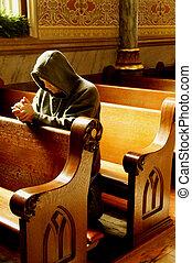man, biddend, in, kerk