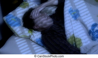man cant sleep headache