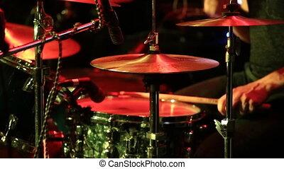 man, concert, trommels, spelend