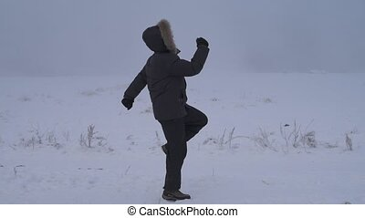 Man exercising to get warm
