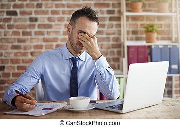 Man feels big pressure at work