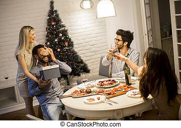 man, gåva, ung, jul, fik, färsk, helgdagsafton, älskande, eller, kvinna, år