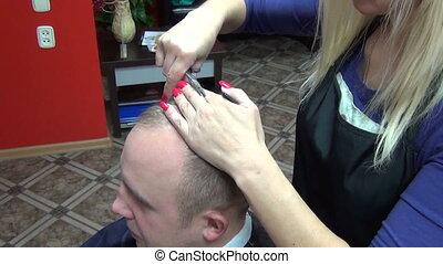 man hair comb scissors