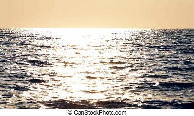 Man in the canoe in a sea HD