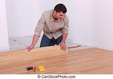 man, installeren, laminaat, bevloering