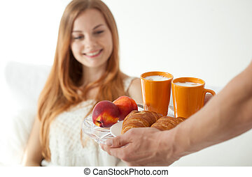 Man made breakfast for woman - Man made a breakfast for...