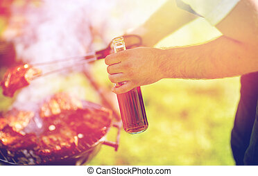 man, matlagning, kött, på, barbecue grilla, hos, sommar,...