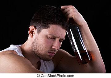 man, met, fles, van, alcohol