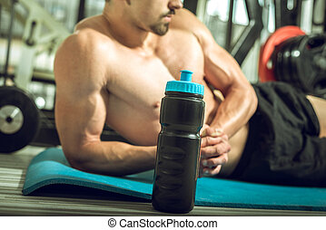 man, met, proteine verwiken