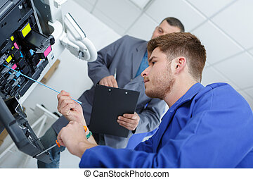 man, onderhoud, fotokopieerapparaat