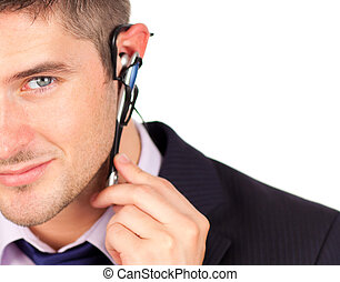 man, op, koptelefoon, kijken naar van het fototoestel
