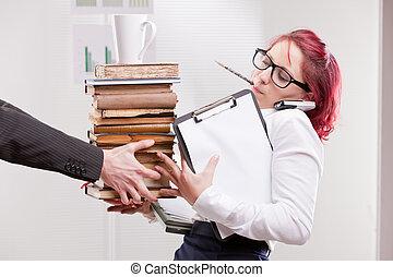 man, overloading, kollega, kvinna, med, arbete