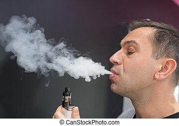 man smoke viper