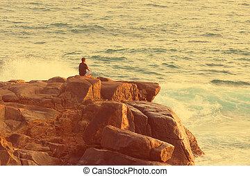 man te mediteren, zee, rots