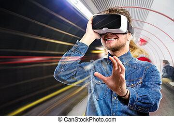 man, tröttsam, virtuell realitet, goggles., tunnelbana,...