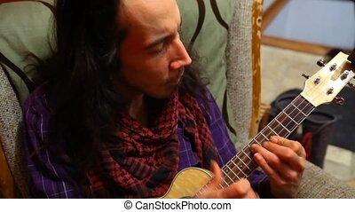 man, ukulele, room., levend, spelend