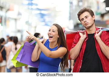 man, uttråkad, inköp, med, hans, flickvän
