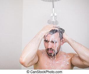 Man washing hair