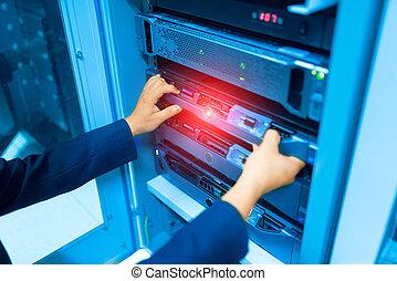 mand, fastlægge, server, netværk, ind, data centrerer, rum