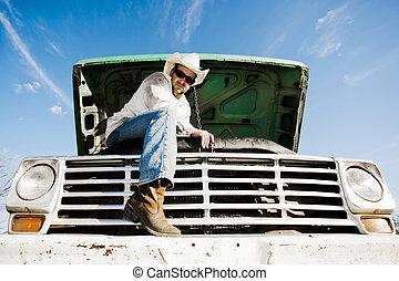 mand, hætten under, i, hans, lastbil