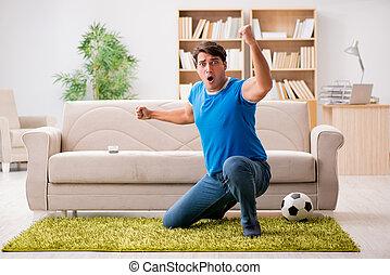 mand, iagttag, fodbold, hjem hos