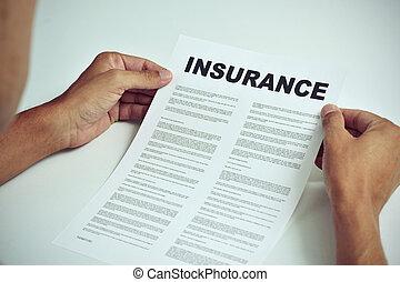 mand læse, den, betalingsvilkår, i, en, forsikring