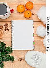 mandarinas, árbol de navidad, rama, y, bloc, primer plano