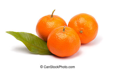 mandarine - tangerines with leave isolated on white