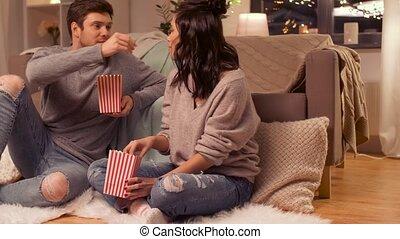 manger, couple, pop, maison, maïs, heureux