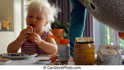 manger, frères soeurs, dîner, 4k, table, crêpes