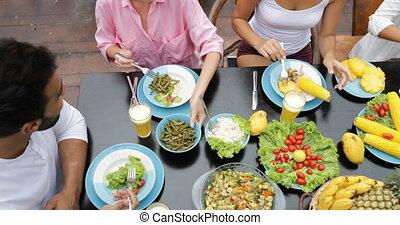 manger, gens, sain, communication, végétarien, séance, groupe, conversation, nourriture, vue, table, angle, amis, sommet